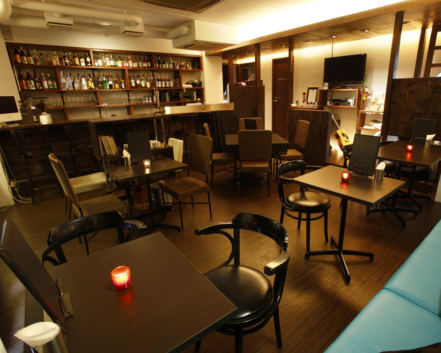 Lucci-Dining&Bar-